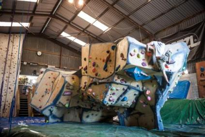 the-barn-indoor-climbing